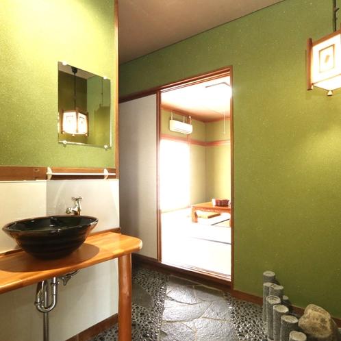【旧館和室 洗面所】和モダンな空間。