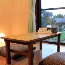 客室・テーブル