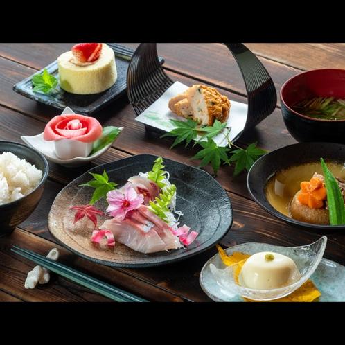 【nicoichi御膳】地元食材を使い郷土料理や創作料理を織り交ぜた日替わり御膳です。