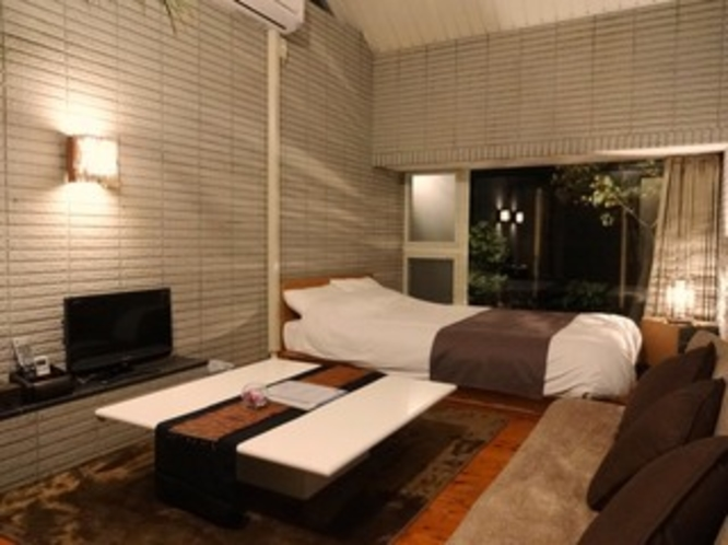 【離れのバリ風セミダブル】寝室