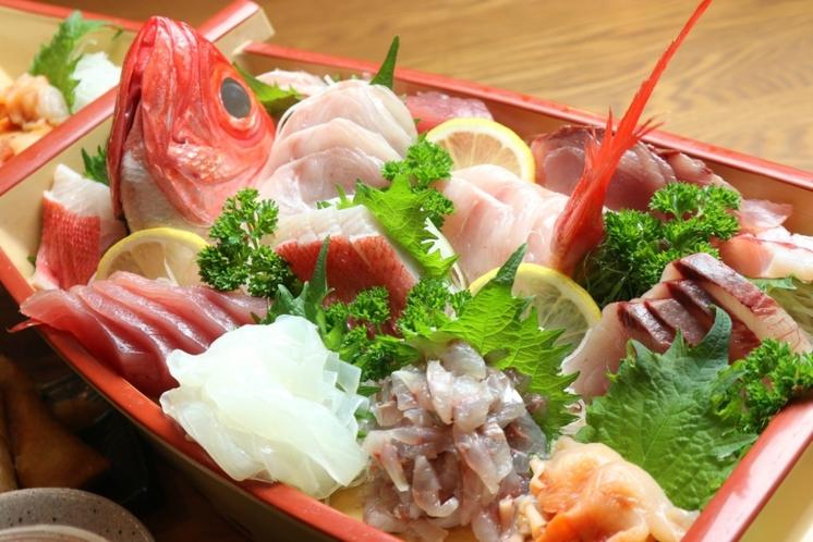 【舟盛り定食プラン】舟盛りはその日とれたお魚中心!