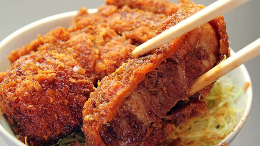 【特製ソースカツ丼】名物の味!ぜひぜひご賞味ください。