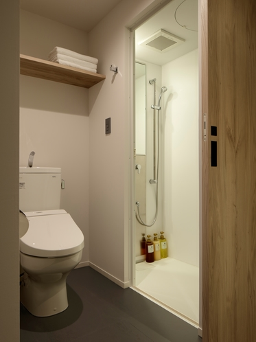 客室シャワー&トイレ