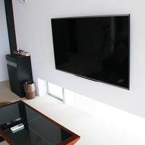【液晶TV】リビングには大型液晶TVを完備