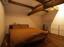 【蔵の特別室 丸山】ベッドルーム(2F)