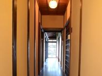 【渡り廊下】