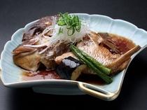 【お魚料理一例】鯛のカブト煮