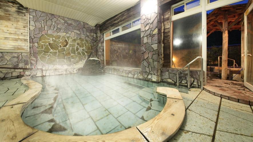 【女性大浴場】露天風呂へ続いています
