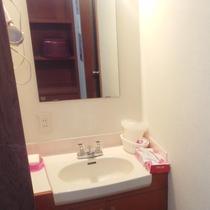 お風呂の洗面台の設置品