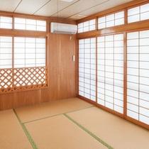 和室でごろりとお昼寝タイム 布団を3組敷く事ができます