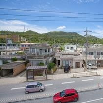 ニューコベナントからの町側風景(金武町)