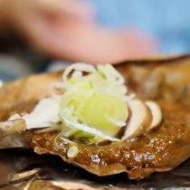 【朝食一例】飛騨の郷土料理「朴葉味噌」を召し上がれ♪