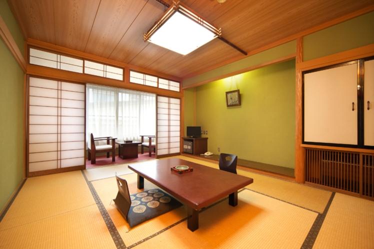 【和室10畳A・Cタイプ一例】3名様までご利用いただける純和風の客室です