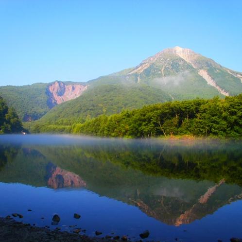 【上高地】美しい景観が人気の上高地へは当館からバスで約30分。