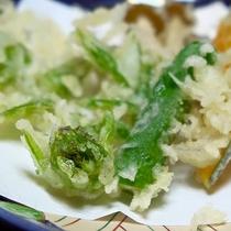【夕食一例】季節の食材を天麩羅でどうぞ。