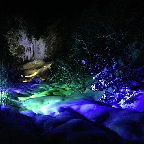 【平湯大滝ライトアップ】2月15日~ 25日に開催されるイベント☆幻想的な景色を見にいってみてくださ