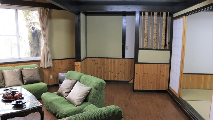 2階建ての離れ部屋(15畳+15畳)