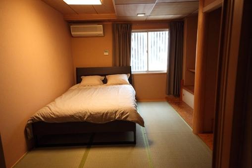 畳の2人の部屋