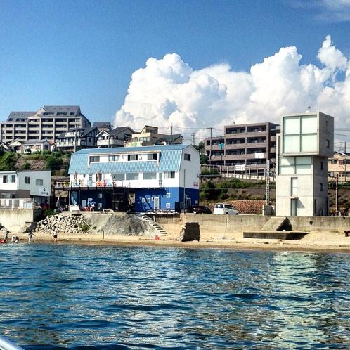 海からみた施設