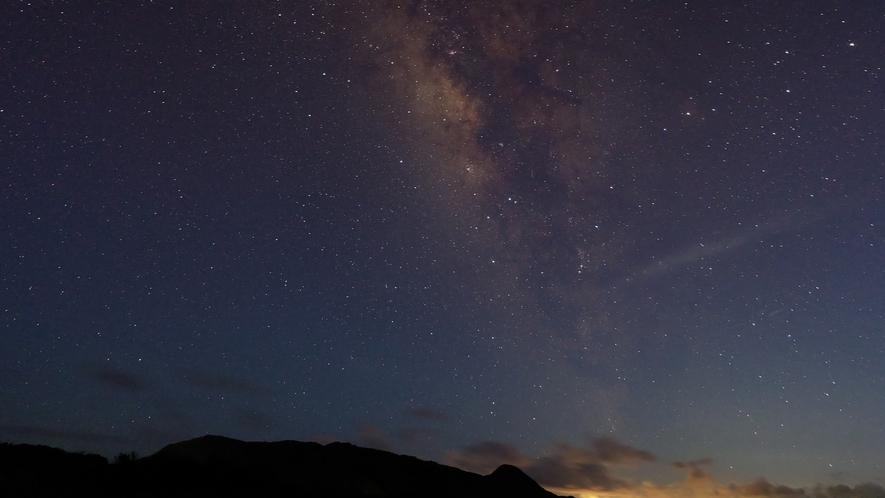 ホテル上空の星空