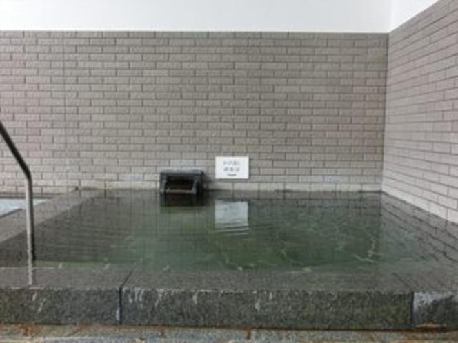 かけ流し源泉浴