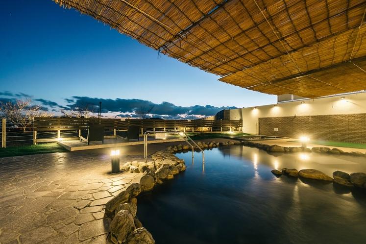 露天風呂夜の景色