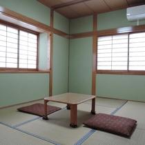 *【お部屋】かえで6畳~3名様までご利用頂けるほっこりできる和室です。