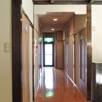 *【館内】明るい廊下☆清潔感を心がけています。
