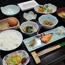 *【朝食】季節の旬の食材を使って一番おいしいものを提供しています!