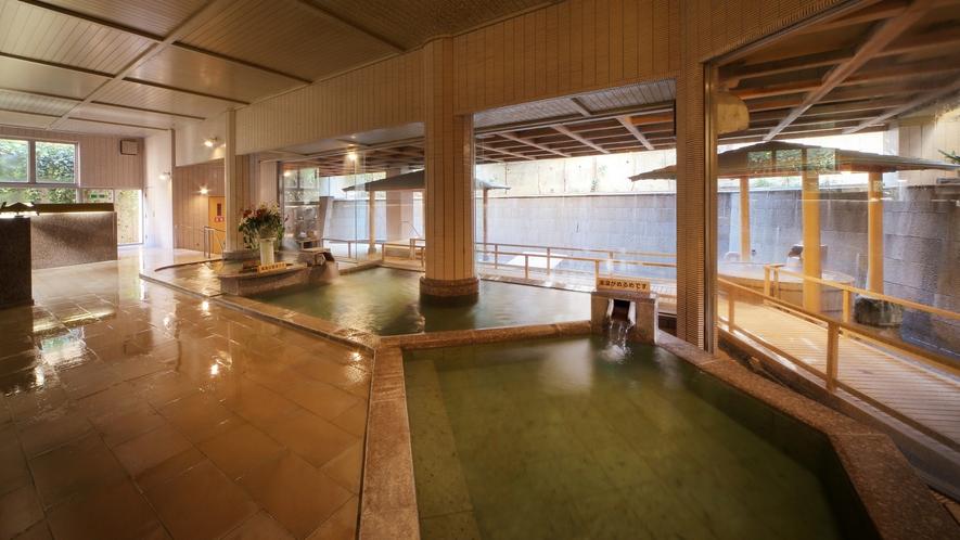 隣接の鴨川館・大浴場白糸の美肌湯:内風呂