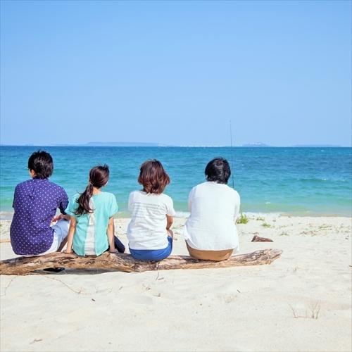 仲良しグループで・・屋嘉ビーチで遊ぶ