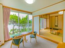 外浦海水浴場を一望できる和室12畳&くつろぎのフロア(約6畳程)タイプ