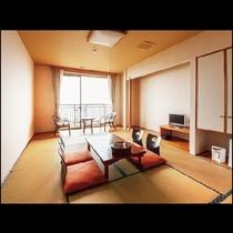 【和室】広々10畳の開放感触れるオーシャンビューのお部屋