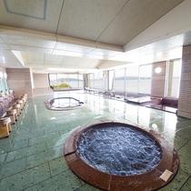 鳴門海峡を望む大浴場