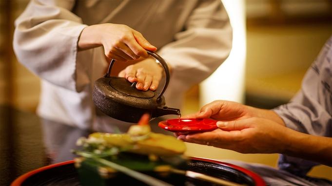 """【夏季限定−活き鮎会席−】滋賀の旬の味に彩りを添える、鮎の""""塩焼き""""で夏の味覚を堪能。"""