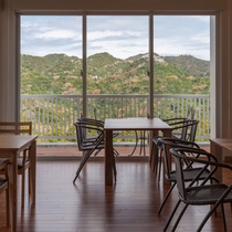 レストラン星のテラス 景色を堪能する窓側席