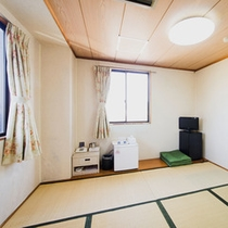 【和室6畳一例】畳のお部屋でゆっくりお寛ぎいただけます