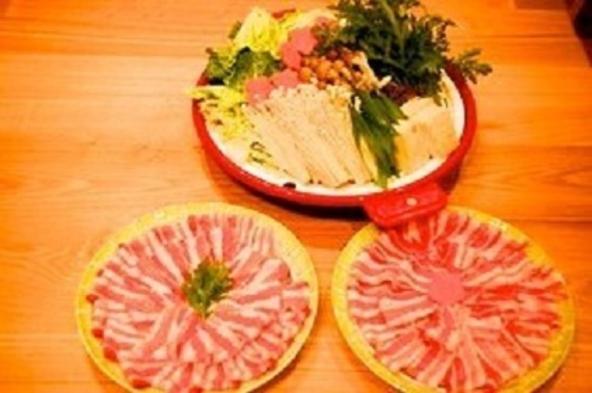 【1泊2食】牛すき焼き・豚しゃぶ・BBQ・会席・但馬どりの水炊きからお好きなメイン料理をチョイス♪