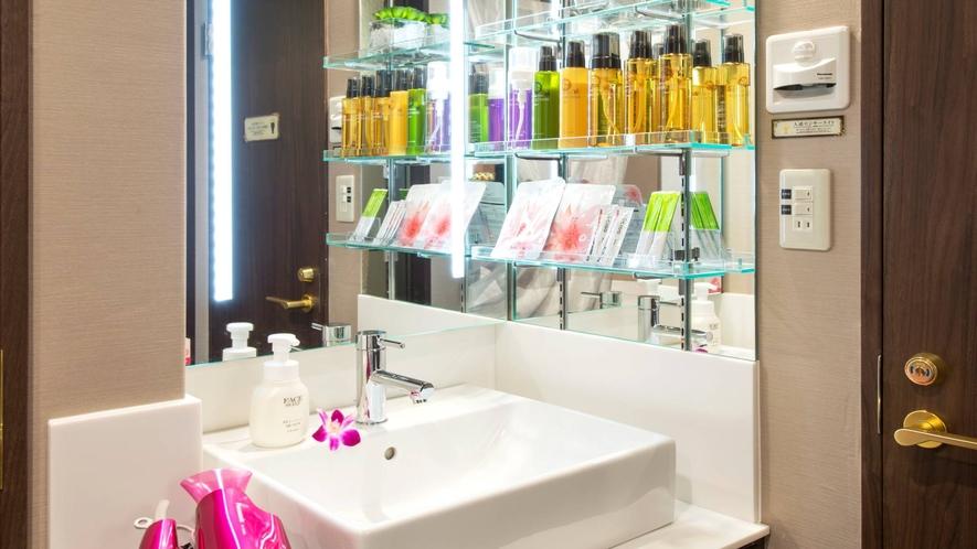【全ての客室】女優ミラー機能付き洗面台