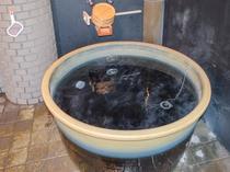 信楽焼の客室露天風呂
