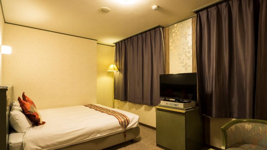 キングベッドルーム 180cmキングサイズベッド