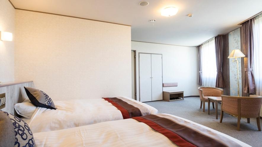 ツインベッドルーム 140cmダブルベット 110cmシングルベッド