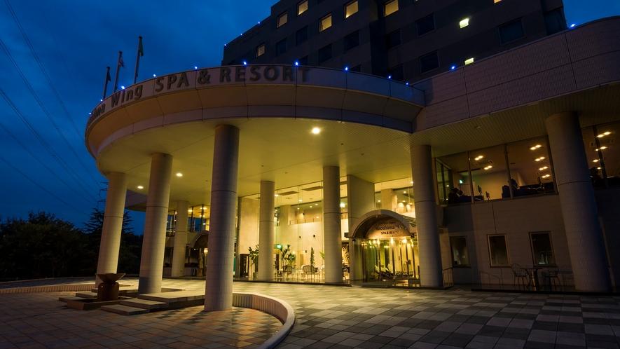 ホテル入り口夜