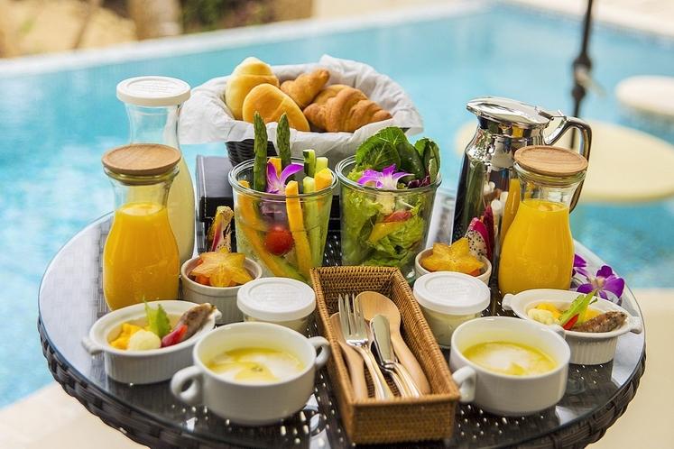 ルームサービスの朝食<洋食>