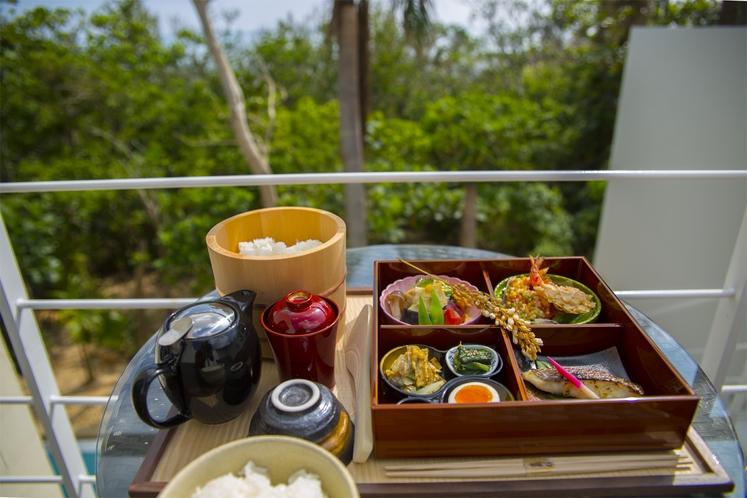 ルームサービスの朝食<和食>