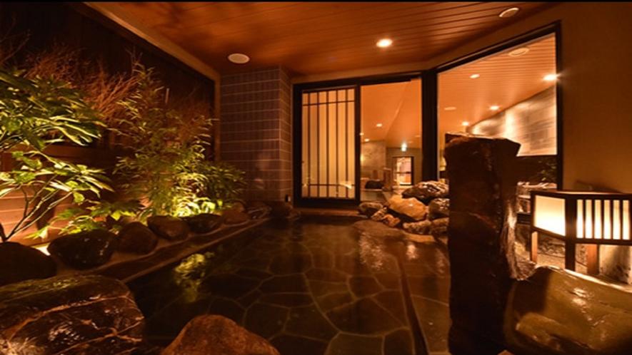 【幸鐘の湯】営業時間15:00~翌朝10:00 男性大浴場 露天風呂(湯温42℃~43℃)