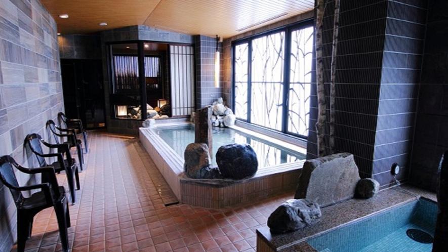 【幸鐘の湯】営業時間15:00~翌朝10:00 男性大浴場 内風呂・水風呂