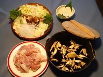 信州ハーブ鳥と鳥団子の田舎鍋、〆はすいとんで