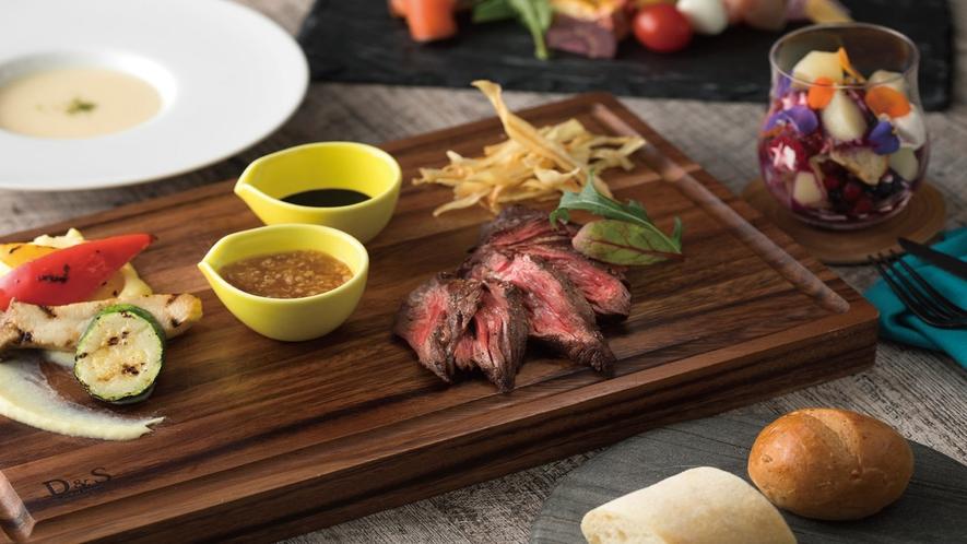 Dining & Bar LAVAROCK_お肉料理