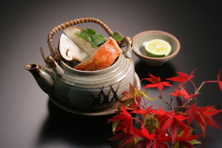 秋のお椀~松茸と金目鯛の土瓶蒸し~